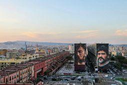Stærðarinnar veggmyndir af Diego Maradona í Buenos Aires, heimaborg hans.