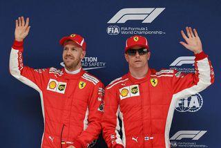 Þriðja mótið í röð heinoka Sebastian Vettel (t.v.) og Kimi Räikkönen fremstu rásröðina, sem þeir ...