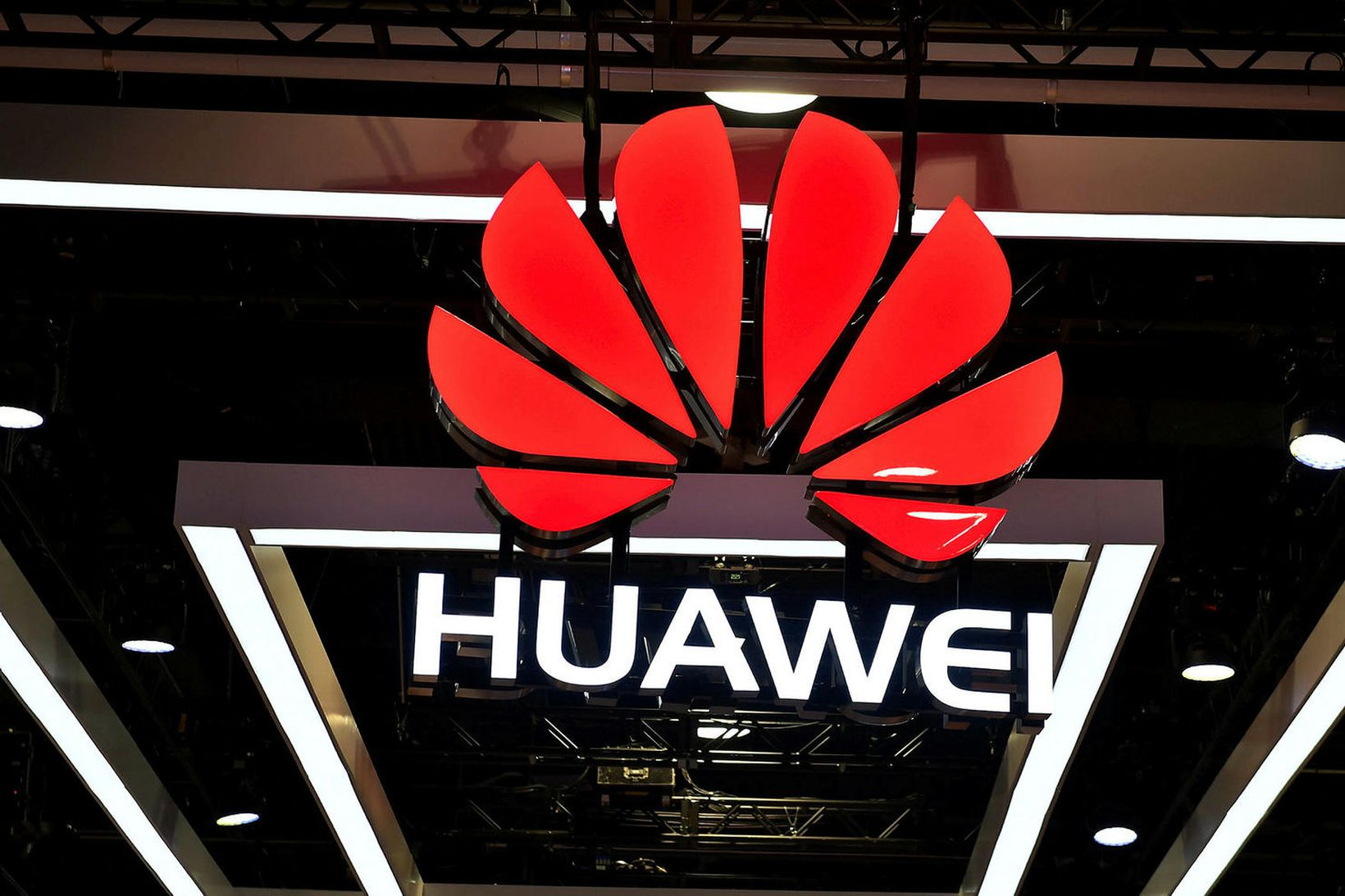 Velta Huawei risans eykst ár frá ári.