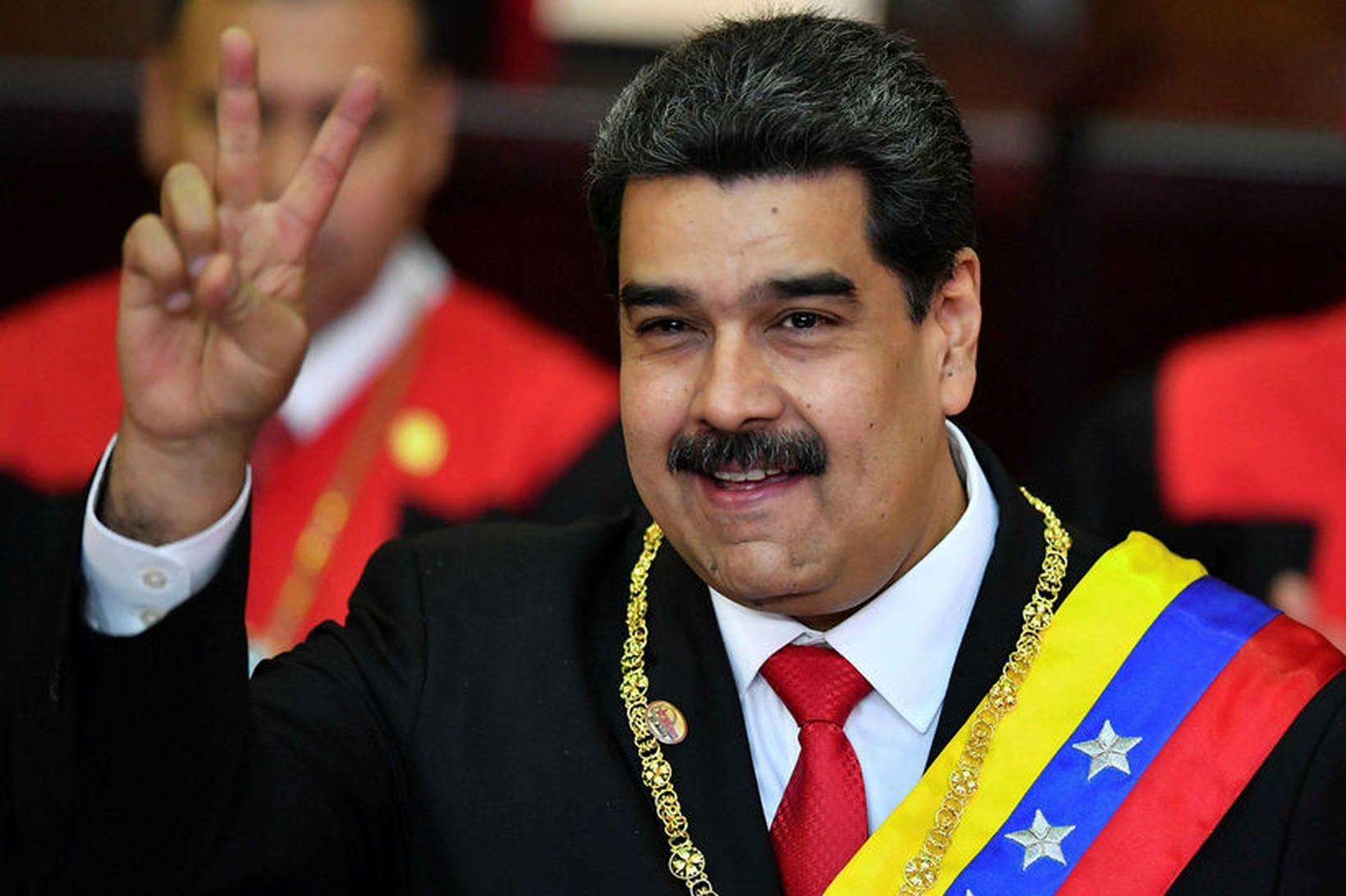 Nicolas Maduro, forseti Venesúela, segir Ku Klux Klan stjórna í …