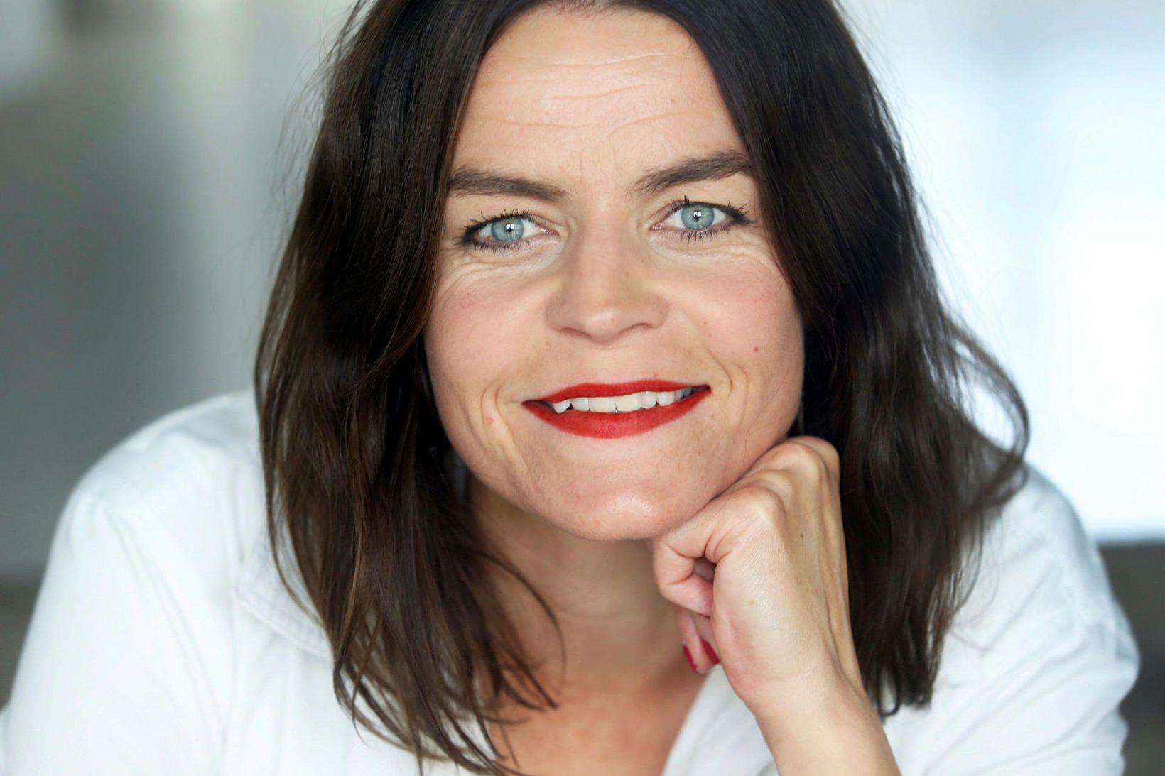Silja Hauksdóttir leikstjóri.