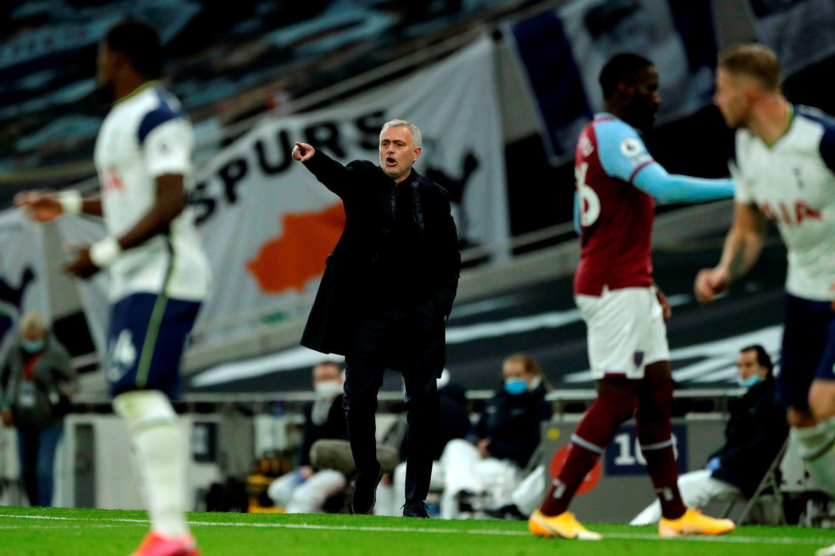 José Mourinho kemur skilaboðum áleiðis í dag.