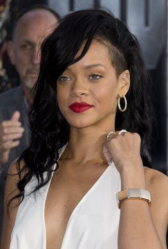 Rihanna mætir til frumsýningar myndarinnar Battleship.