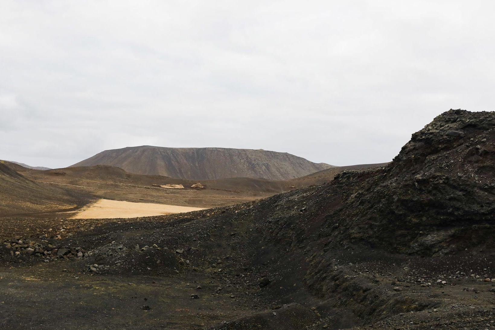 Fagradalsfjall á Reykjanesi er talinn líklegasti eldsuppkomustaðurinn ef af gosi …