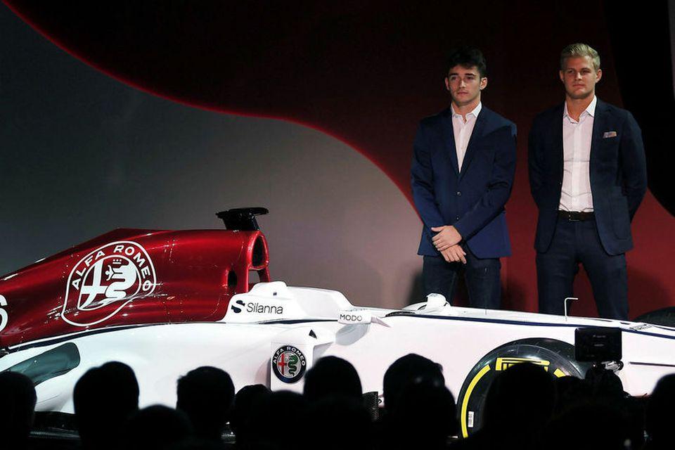 Charles Leclerc (t.v.) og Marcus Ericsson (t.h.) verða ökumenn Alfa Romeo Sauber 2018.
