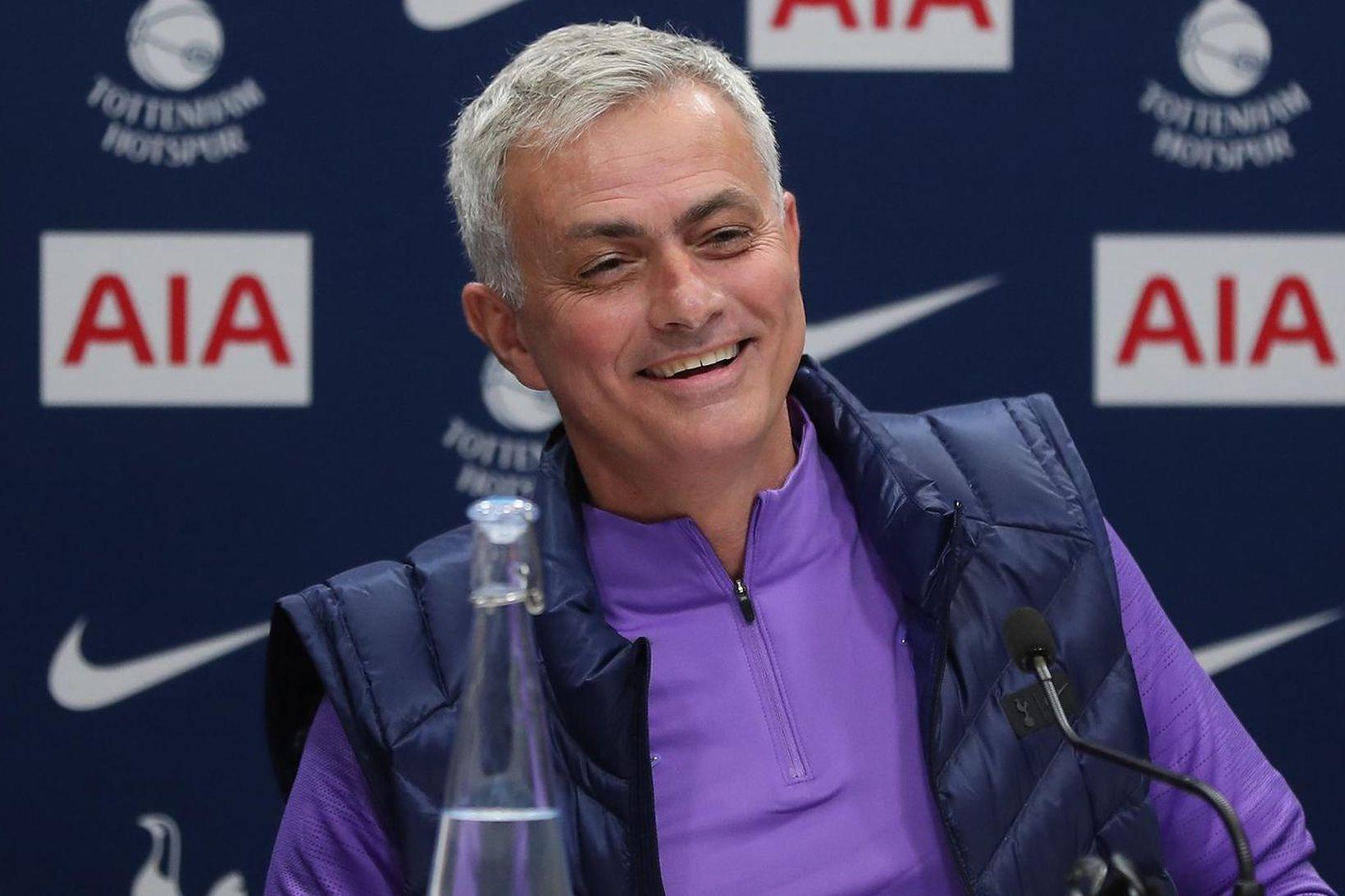 José Mourinho var hress á fréttamannafundinum í dag.