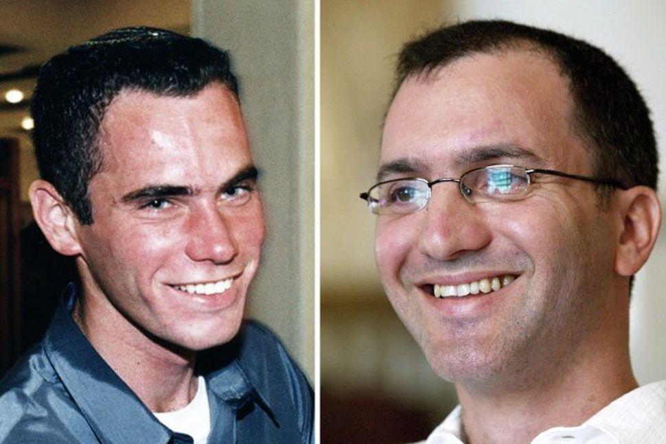 Ehud Goldwasser og Eldad Regev, voru handteknir við landmæri Ísrael ...