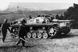 StuG III fór í þjónustu árið 1940 og vakti strax athygli fyrir góðan árangur á …