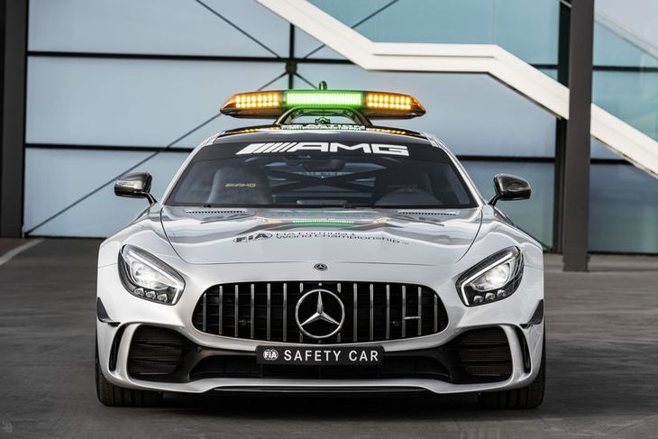 Nýi Mercedes-AMG GT R öryggisbíll formúlunnar.