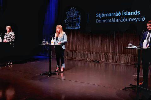 Katrín Júlíusdóttir, Áslaug Arna Sigurbjörnsdóttir og Teitur Már Sveinsson á fundinum í Hörpu.