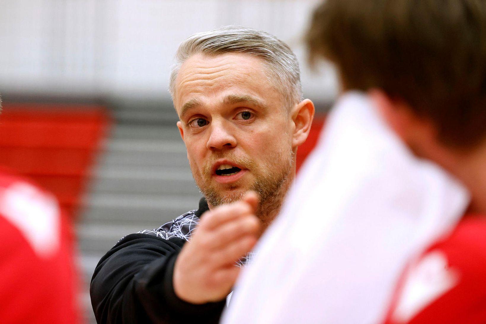 Snorri Steinn Guðjónsson, þjálfari Vals.