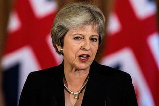 Theresa May, forsætisráðherra Bretlands, segir ESB verða að sýna Bretum virðingu í Brexit viðræðunum.
