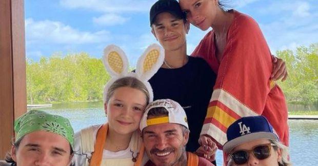 David og Victoria Beckham með börnum sínum í páskafríinu.