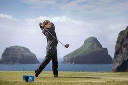 Opið er á hinum glæsilega golfvelli í Herjólfsdal í Vestmannaeyjum.