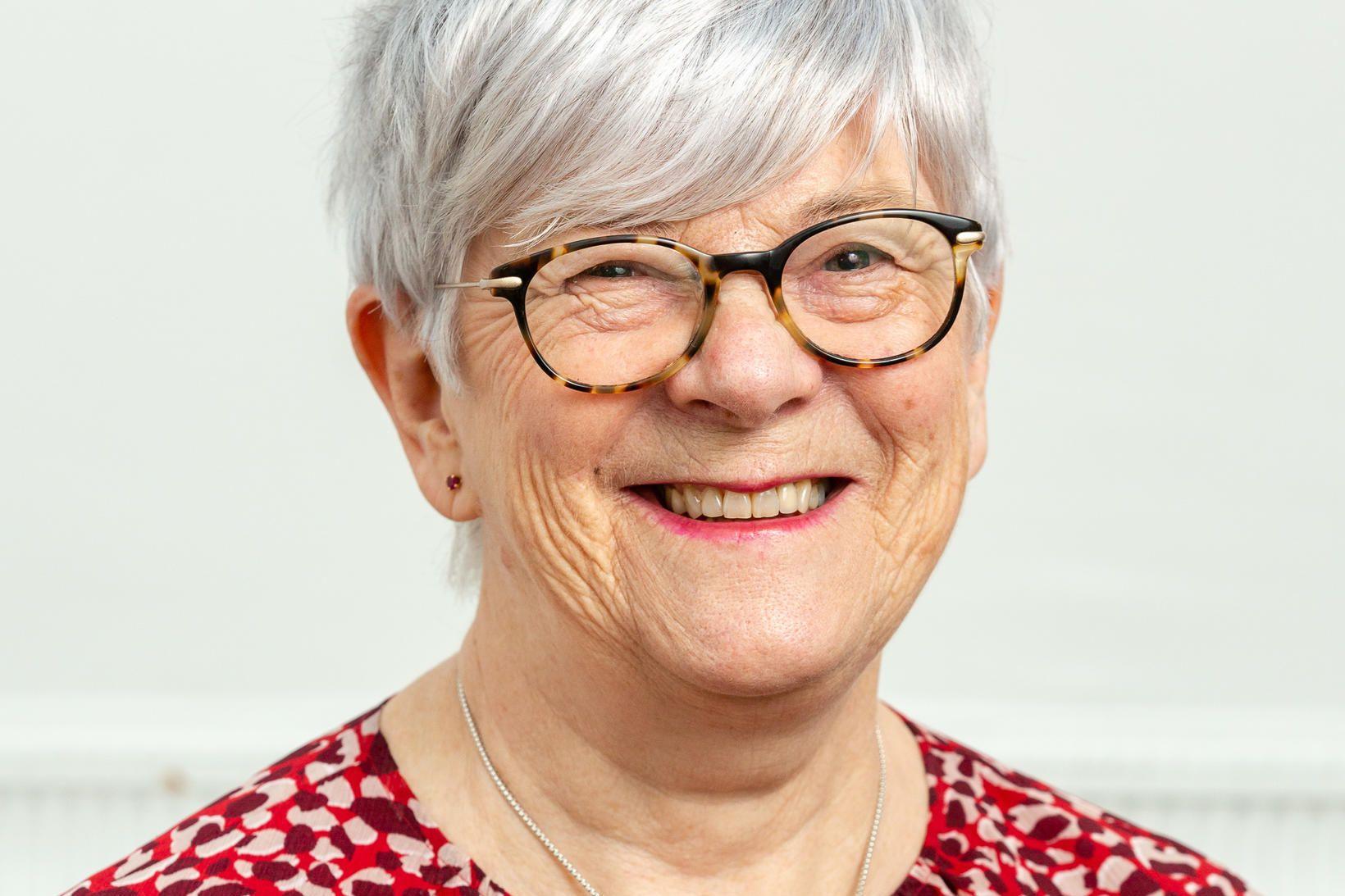 Lesley Ann Page verður sæmd heiðursdoktorsnafnbót við Hjúkrunarfræðideild Háskóla Íslands.
