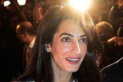 Amal Clooney gaf eiginmanni sínum glæsilegar gjafir.