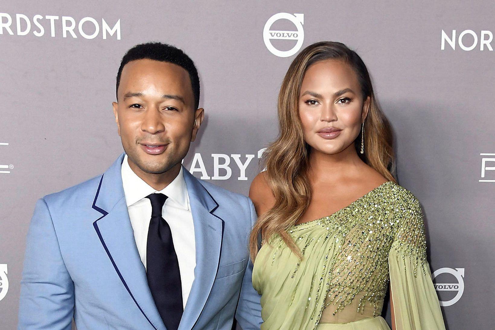 John Legend og Chrissy Teigen hafa sett húsið á sölu.