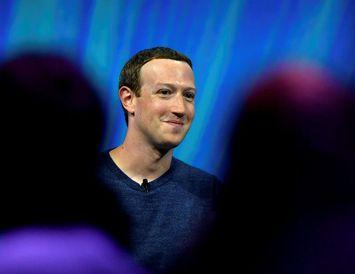 Zuckerberg er sakaður um að hafa tekið upp hanskann fyrir þeim sem afneita helförinni í ...