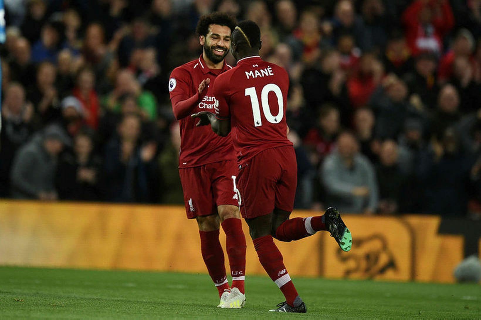 Sadio Mané og Mohamed Salah fagna marki.