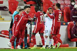 Stuðningsmenn Liverpool eru ekki sáttir.