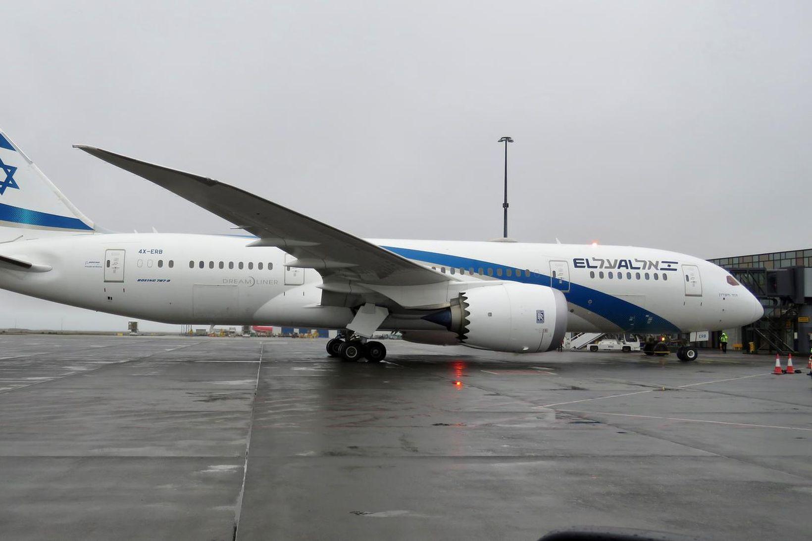 Flugvél félagsins El Al er af Boeing 787 Dreamliner gerð.