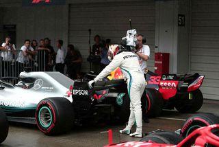 Lewis Hamilton fagnar 80. ráspól sínum í formúlu-1.