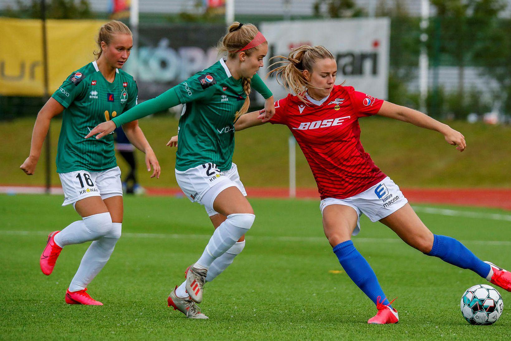 Breiðablik vann stórsigur, 4:0, í fyrri leiknum gegn Val á …