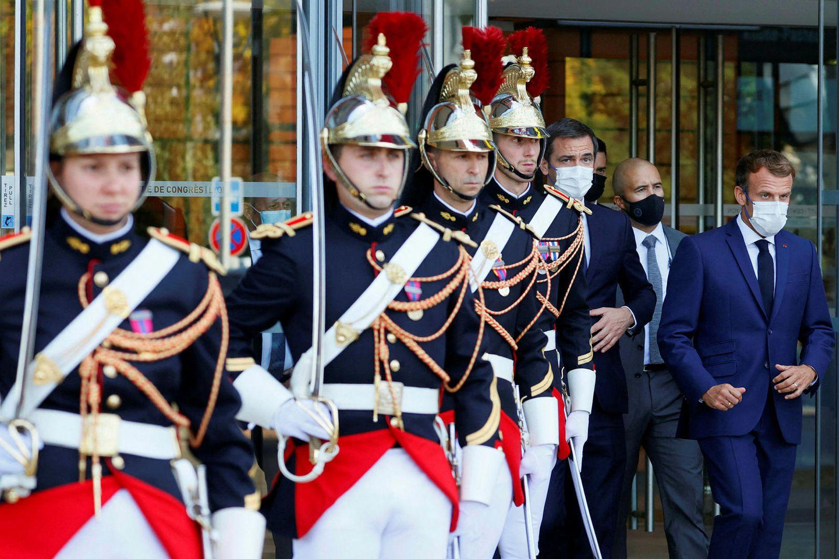 Emmanuel Macron í Lyon í dag.