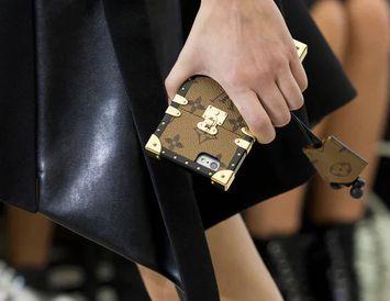 Louis Vuitton-símahulstur.