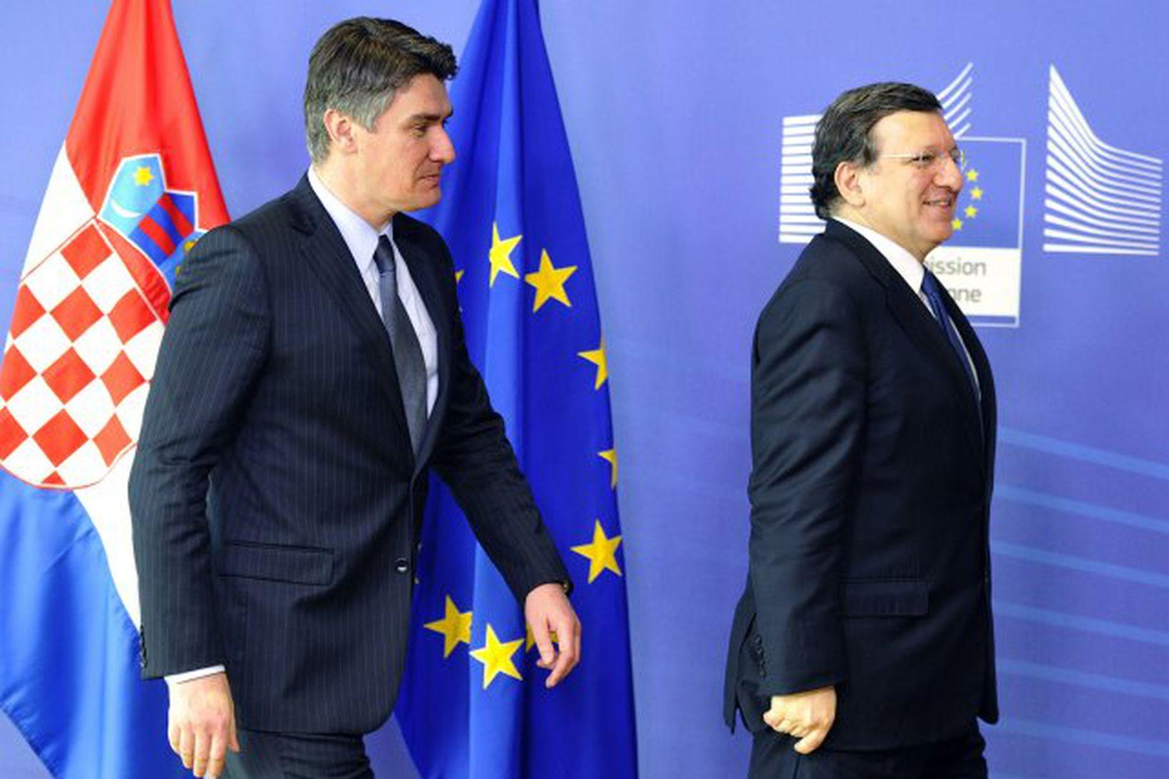 Forseti framkvæmdastjórnar ESB, Jose Manuel Barroso ásamt forsætisráðherra Króatíu, Zoran …