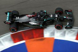 Lewis Hamilton á ferð í tímatökunni í Sotsjí.