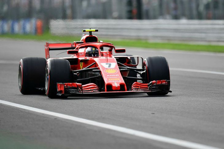 Kimi Räikkönen á leið til sigurs í tímatökunni í Monza.