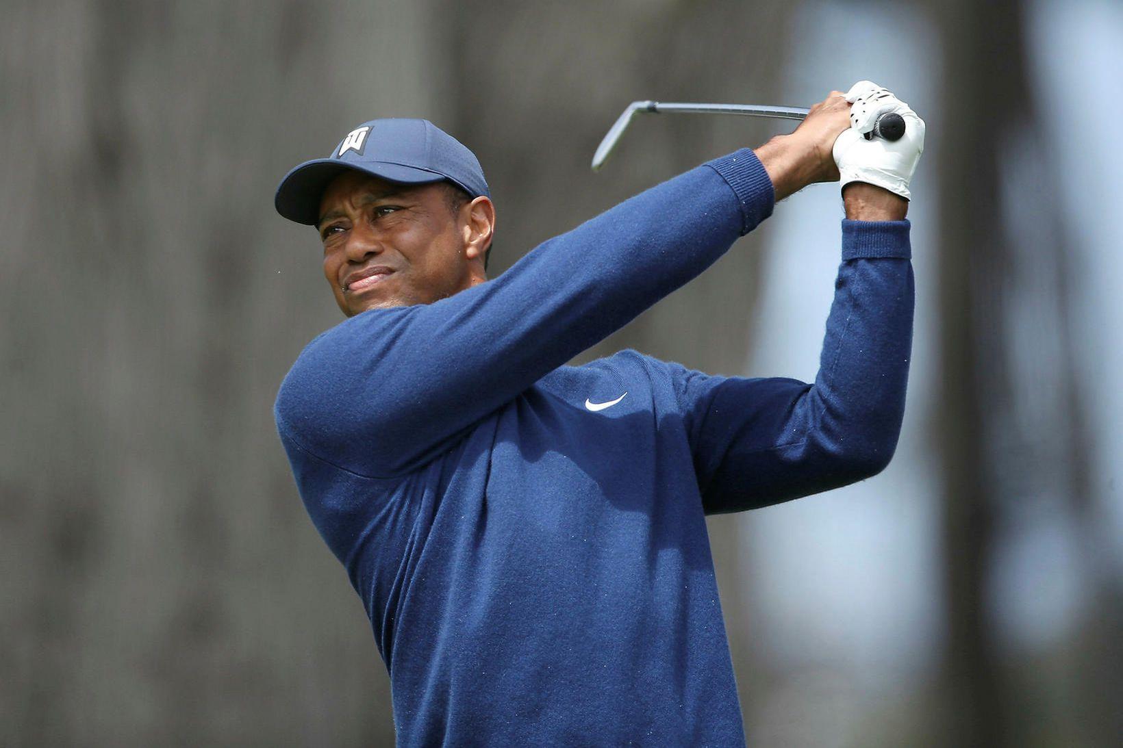 Tiger Woods á hringnum í gær.