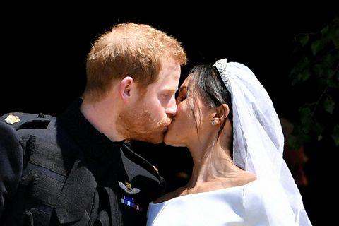 Harry og Meghan eignuðust dóttur á föstudaginn.