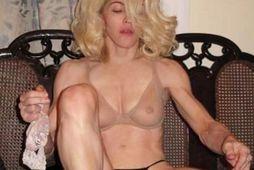 Madonna kemur til dyranna eins og hún er klædd. Hún birti þessa mynd á Instagram.