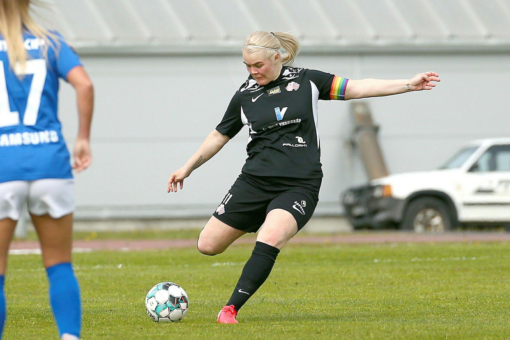 Fyrirliðinn Arna Sif Ásgrímsdóttir var í láni hjá Glasgow City …