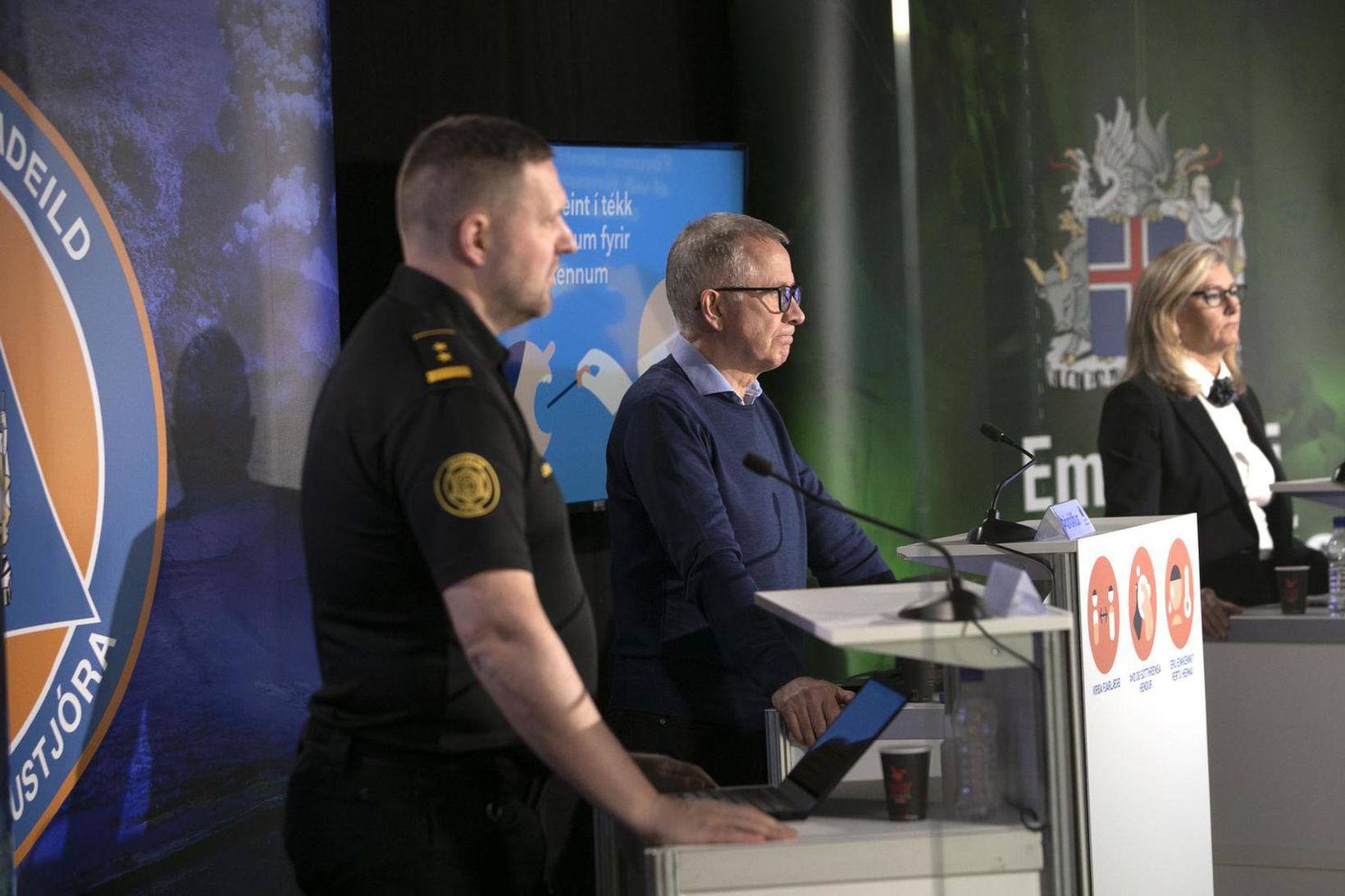 Rögnvaldur Ólafsson aðstoðaryfirlögregluþjónn, Þórólfur Guðnason sóttvarnalæknir og Alma D. Möller …