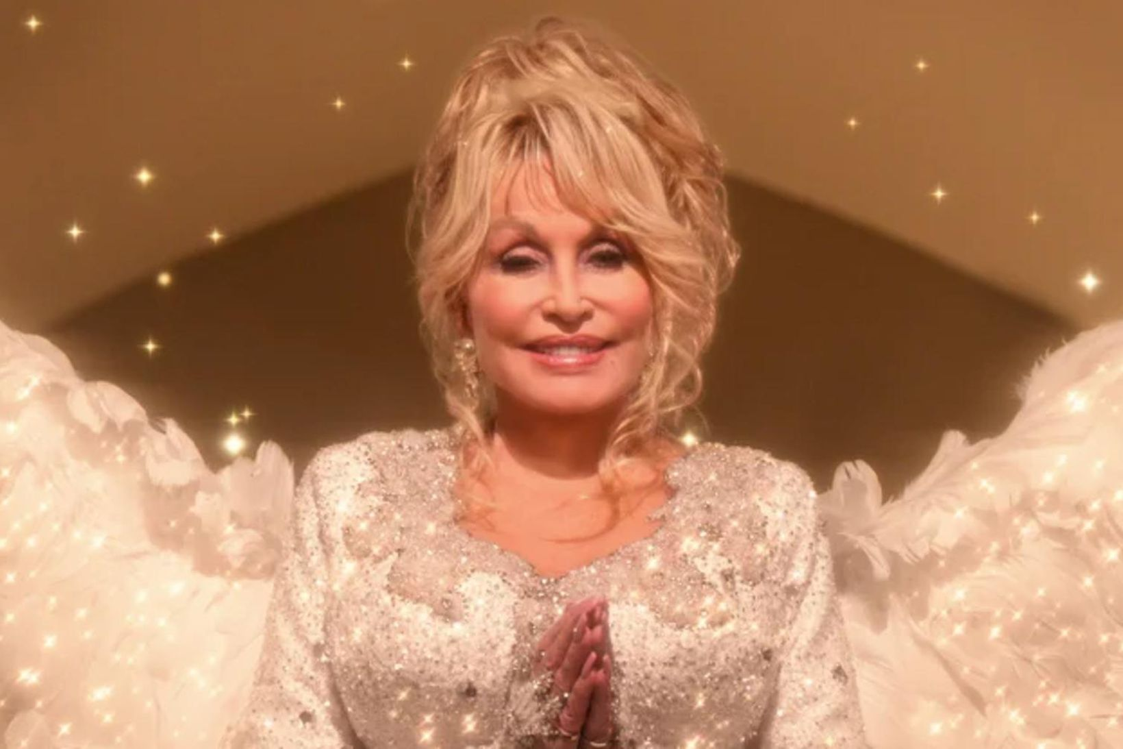 Dolly Parton gefur bæði jólamynd og jólaplötu út fyrir þessi …