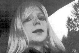 Trump gagnrýndi Chelsea Manning, eftir að hún sagði Obama hafa verið veikburða leiðtoga.