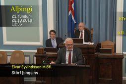 Elvar Eyvindsson, varaþingmaður Miðflokksins, taldi upp hin ýmsu forréttindi sem fylgja því að taka sæti …