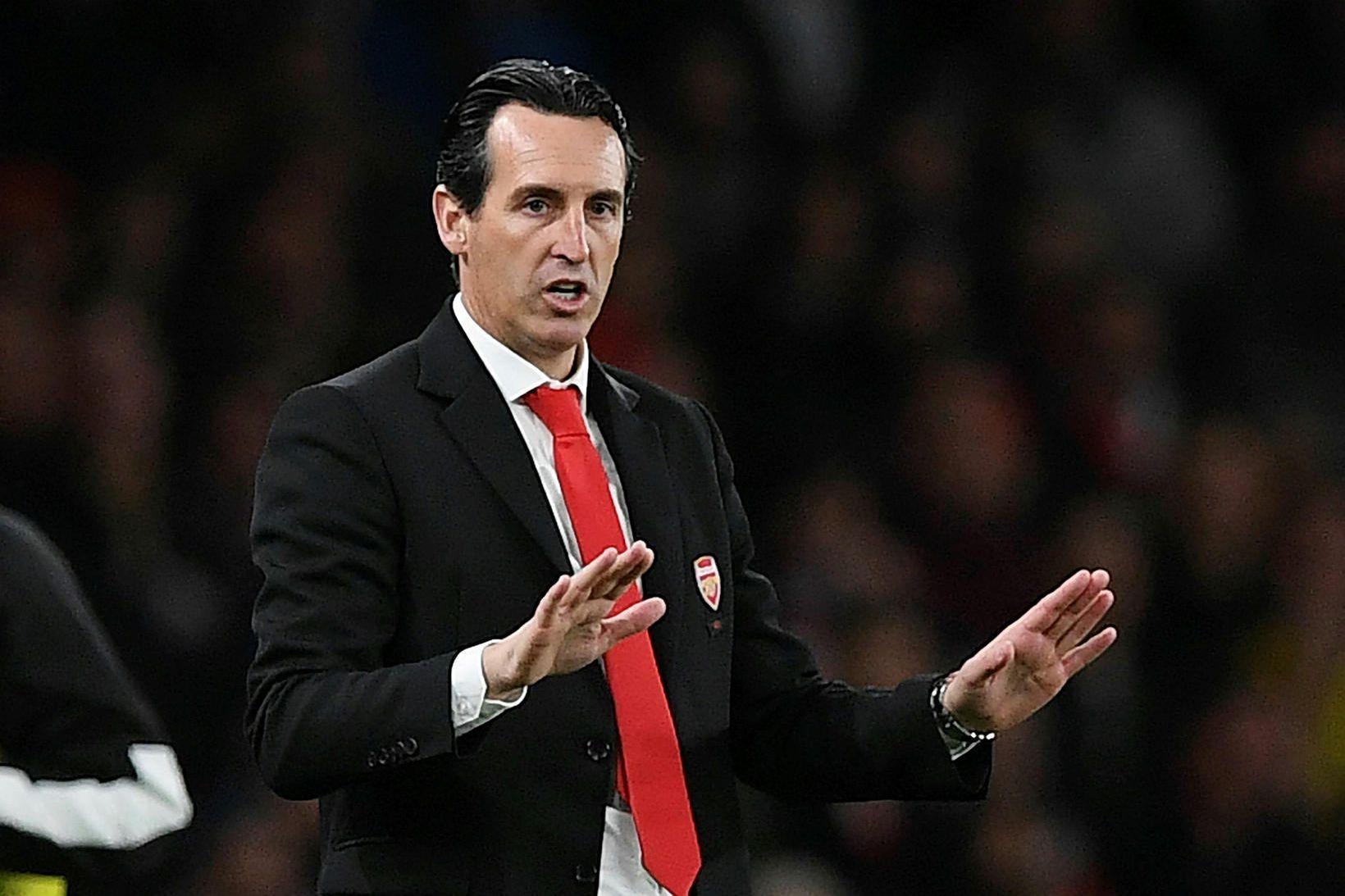 Unai Emery var rekinn frá Arsenal eftir átján mánuði í …