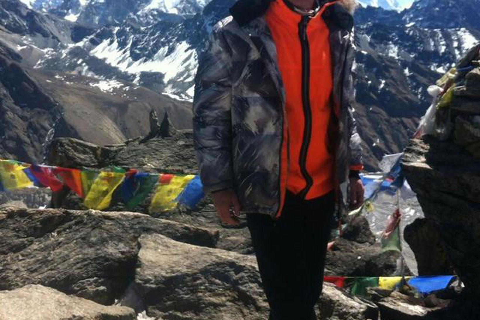 Ingólfur Axelsson í grunnbúðum Everest.