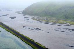 Mikið vatn er nú í Kerlingadalsá.