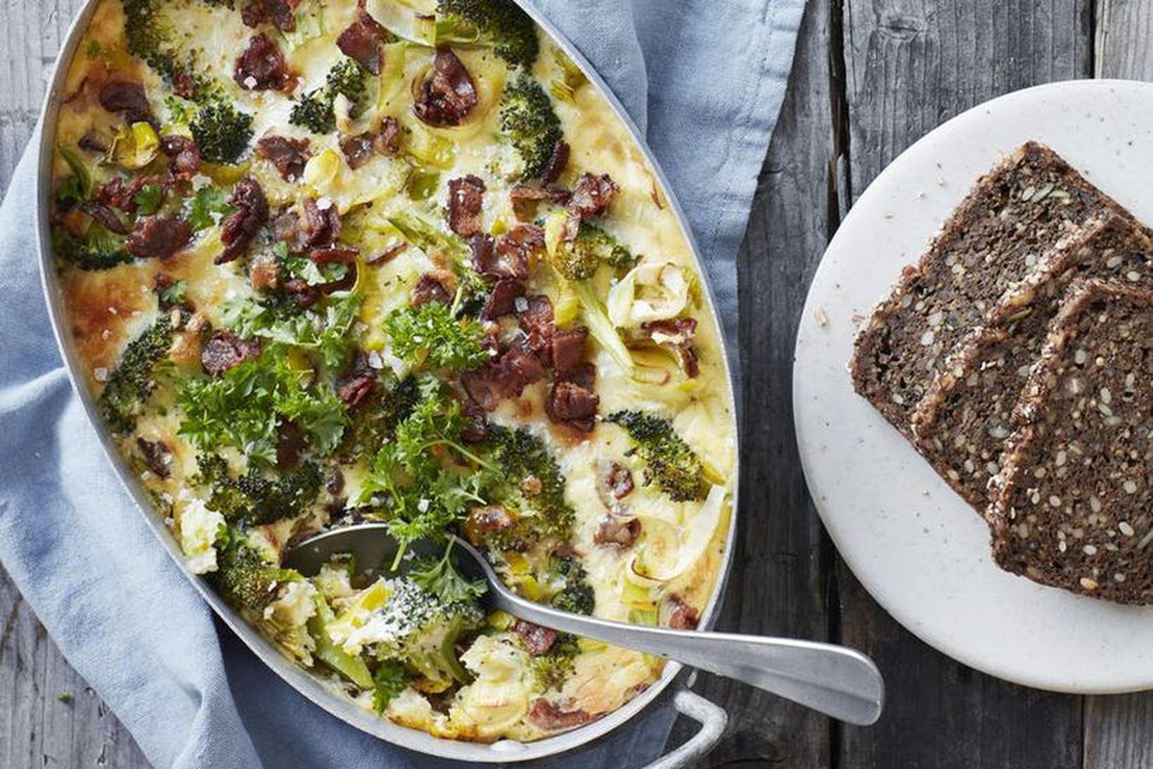 Sjúklega góð eggjakaka með brokkolí og beikoni.