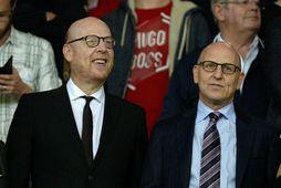 Avram Glazer og Joel Glazer, tveir af stjórnarmönnum og eigendum Manchester United.