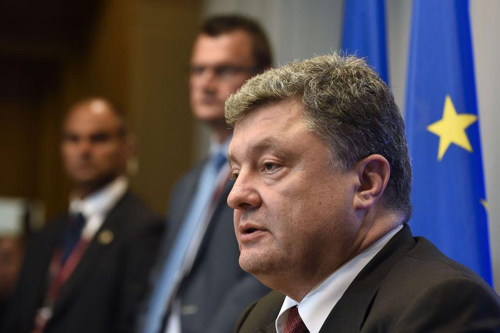 Petro Poroshenko ræddi málefni Úkraínu á fundi í Brussel í …