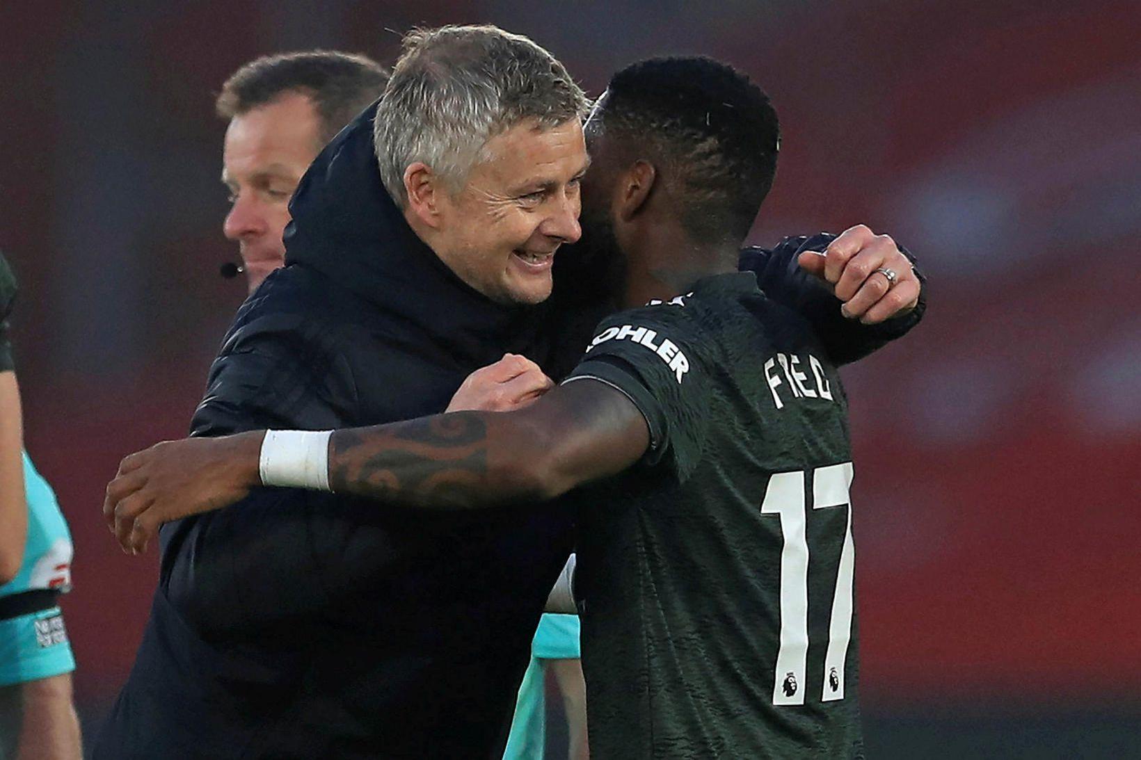 Ole Gunnar Solskjær ásamt Fred eftir sigurleik Manchester United gegn …