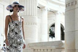 Chanel var með tískusýningu í París í byrjun júlí.