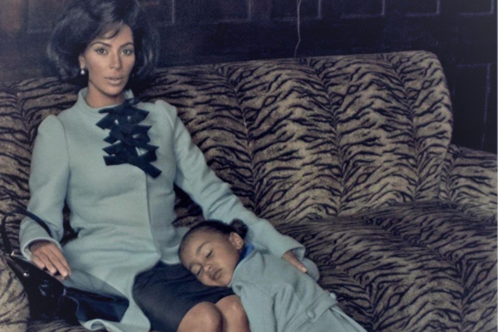 Kim Kardashian ásamt North West í herferð Steven Klein. Þær …