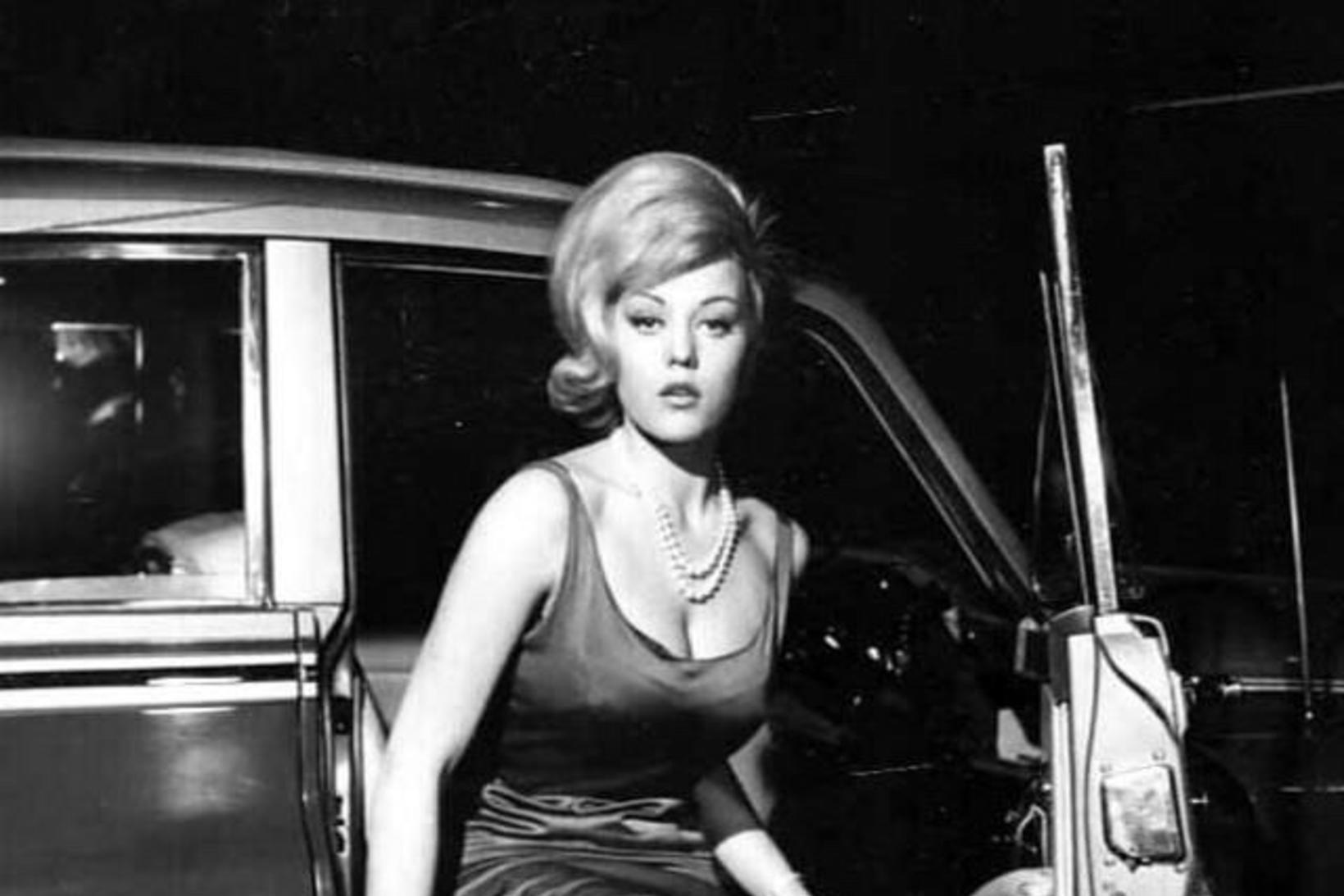 Margaret Nolan fór með hlutverk í Goldfinger.